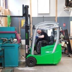 spreeDesign Berlin   Metall- und Holzmanufaktur - Kaltkreissäge / Metallkreissäge